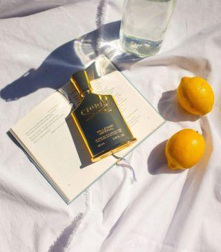 Si buscas una fragancia fresca y elegante para este verano, Millésime Imperial de @creedboutique es perfecta para ti. Su mezcla de maderas perfumadas, almizcle e iris te transportarán a las cálidas calles de un verano en París.   #creed #creedboutique #perfume #fragrance #summer #paris